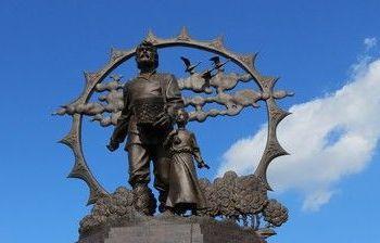 Его Величество Крестьянину (памятник крестьянам-переселенцам на Алтай) г. Барнаул