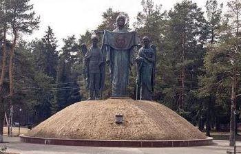 Божья Матерь и архангелы Михаил и Гавриил пос. Снегири Московской обл