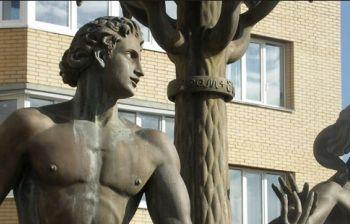Фонтан «Адам и Ева». г. Раменское Московской обл