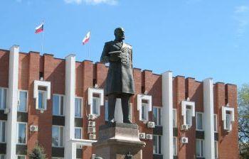Памятник П.А. Столыпину художественное литье из бронзы, гранит г. Саратов