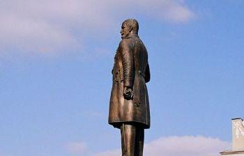 Памятник П.А. Столыпину художественное литье из бронзы, гранит г. Саратов 2