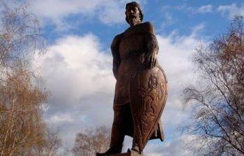 Памятник Александру Невскому г. Владимир. художественное литье из бронзы, гранит 2